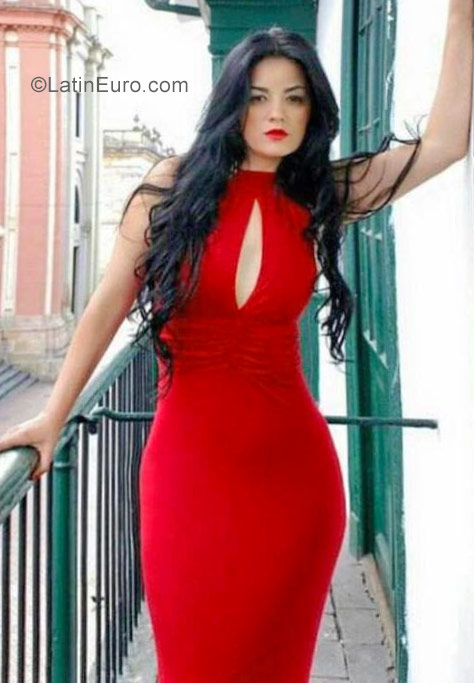 west latin singles A site for latin dating, latin singles, latin personals as well as latin brides and  marriage find a latin girlfriend, wife or boyfriend in latin america or western.